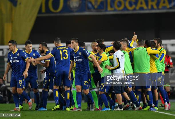 Miguel Veloso of Hellas Verona celebrates after scoring his team second goal withteam mates during the Serie A match between Hellas Verona and UC...