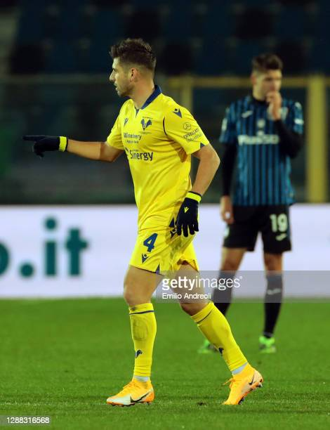 Miguel Veloso of Hellas Verona F.C. Celebrates after scoring their team's first goal from the penalty spot during the Serie A match between Atalanta...