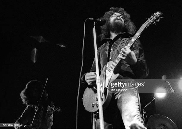 Mik Kaminski Jeff Lynne of Electric Light Orchestra performing on stage Rainbow Theatre London United Kingdom 1973