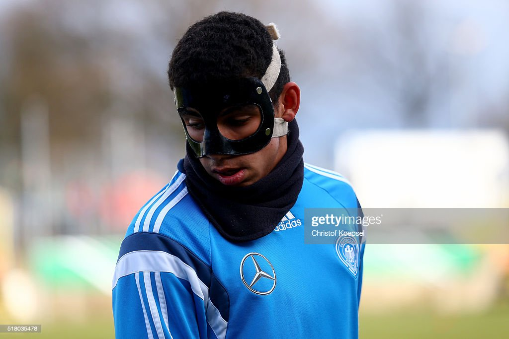 Mika Hanraths of Germany warms up prior to the U17 Euro Qualification match between Germany and Netherlands at Paul Janes Stadium on March 29, 2016 at Esprit-Arena in Duesseldorf, Germany.