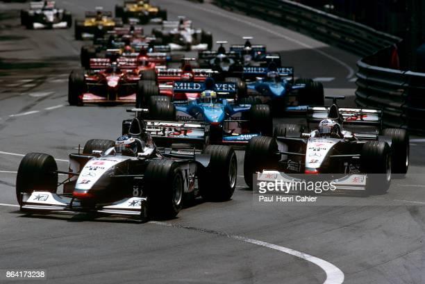 Mika Häkkinen David Coulthard Giancarlo Fisichella Michael Schumacher Alexander Wurz McLarenMercedes MP4/13 BenettonPlaylife B198 Ferrari F300 Grand...