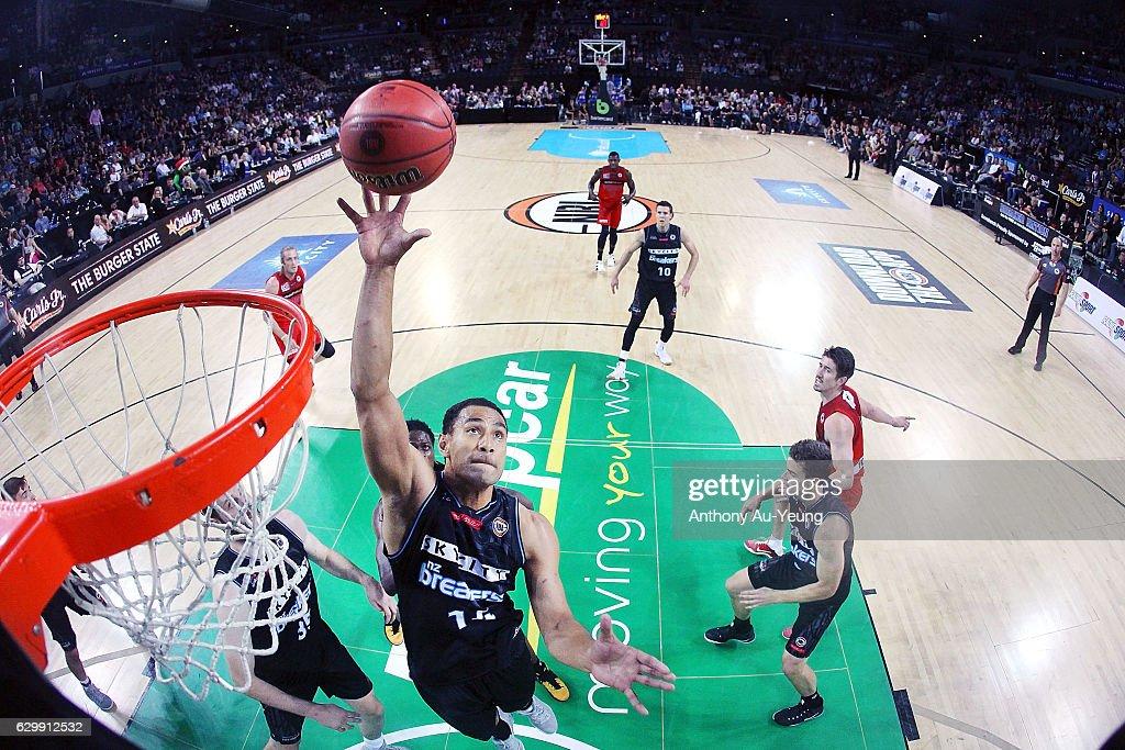 NBL Rd 11 - New Zealand v Perth : News Photo
