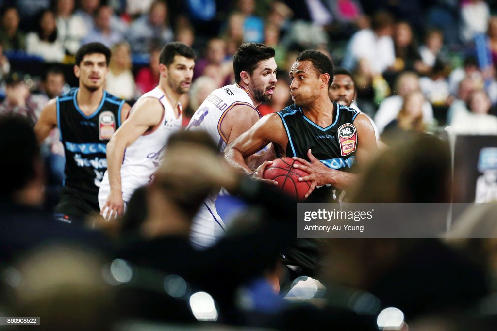 Mika Vukona of the Breakers spins baseline against Todd Blanchfield of the Kings during the round two NBL match between the New Zealand Breakers and the Sydney Kings at Spark Arena on October 13, 2017 in Auckland, New Zealand.