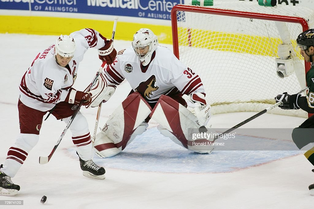 mikael-tellqvist-of-the-phoenix-coyotes-