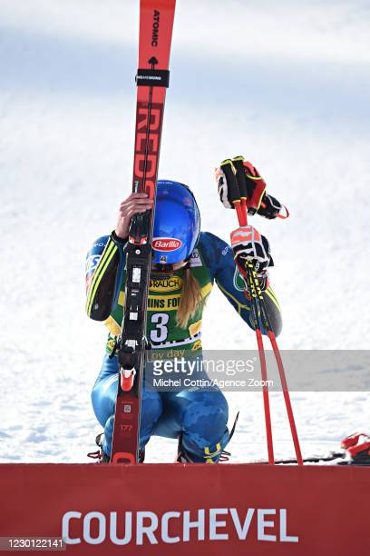 Mikaela Shiffrin of USA takes 1st place during the Audi FIS Alpine Ski World Cup Giant Slalom on December 14, 2020 in Courchevel, France.