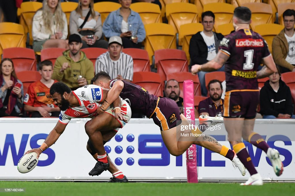 NRL Rd 15 - Broncos v Dragons : News Photo