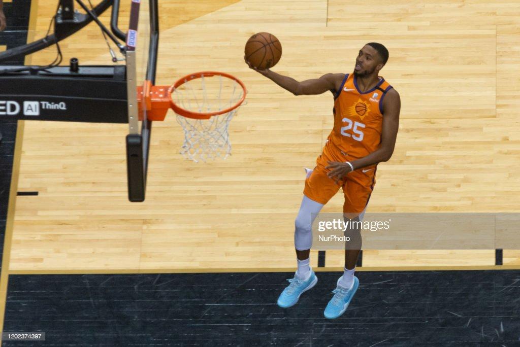 Toronto Raptors v Phoenix Sun - NBA Regular Season : Fotografía de noticias