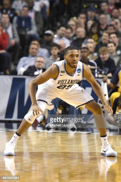 Mikal Bridges of the Villanova Wildcats in position during the 2018 NCAA Men's Basketball Tournament East Regional against the West Virginia...
