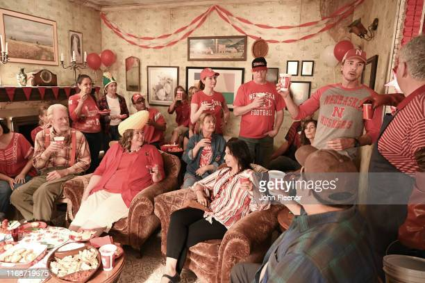 Mike and Rio host the big event of college football season: the town's Huskers kickoff party. But no one in Bucksnort believes they can pull it off....