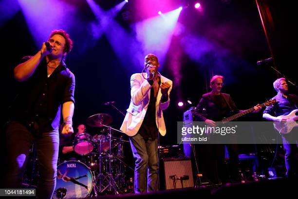 "Mike and The Mechanics ""Let Me Fly""- Tour Mike and The Mechanics besteht aus: Mike Rutherford , Andrew Roachford und Tim Howar und den..."