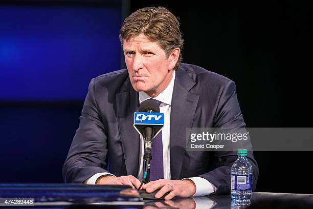 TORONTO ON MAY 21 Mike Babcock the new head coach of the Toronto Maple Leafs answers questions from the media as he is introduced to Toronto at a...