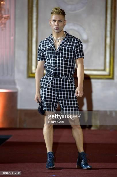Mike Bazer walks the runway for the NYFW hiTechMODA Spotlight on the New Era of Fashion - FIGOS Shoe Designer With Fashion Designer Ricardo Oyarzun:...