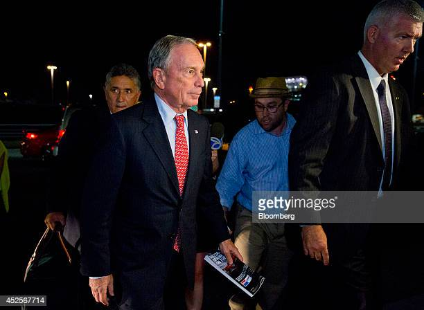 Mike Bloomberg majority shareholder of Bloomberg LP and former New York mayor prepares to board an El Al flight to Tel Aviv Israel at John F Kennedy...