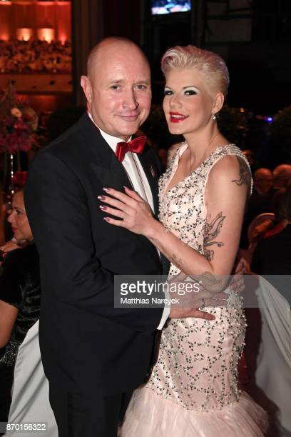 Mike Bluemer and Melanie Mueller attend the Leipzig Opera Ball on November 4 2017 in Leipzig Germany