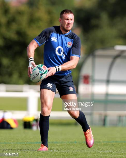Mike Brown passes the ball during the England pre Rugby World Cup training session held on July 29, 2019 in Treviso, Italy.