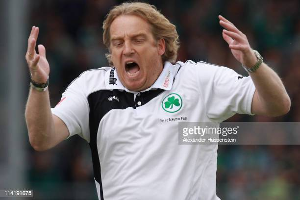 Mike Bueskens head coach of Fuerth reacts during the Second Bundesliga match between SpVgg Greuther Fuerth and Fortuna Duesseldorf at Trolli Arena on...