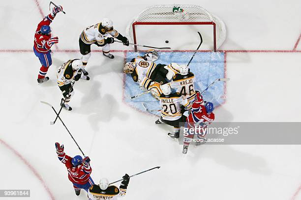 Mike Cammalleri of Montreal Canadiens celebrate a goal during the NHL game against the Boston Bruins on December 4 2009 at the Bell Center in...