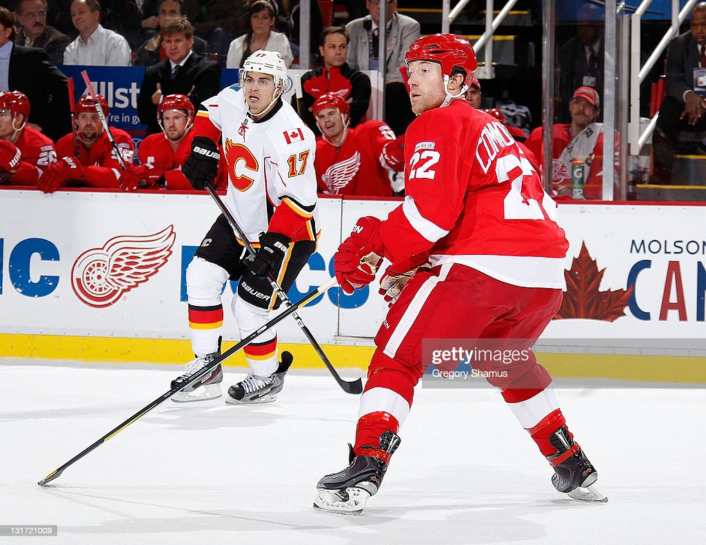 Calgary Flames v Detroit Red Wings : News Photo