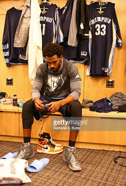 Mike Conley of the Memphis Grizzlies gets ready before the game against the New York Knicks on October 29 2016 at Madison Square Garden in New York...