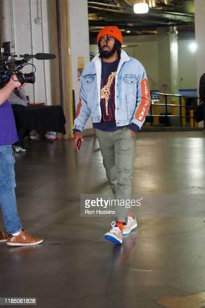 Mike Conley of the Utah Jazz arrives for the game against the game against the Indiana Pacers on November 27 2019 at Bankers Life Fieldhouse in...