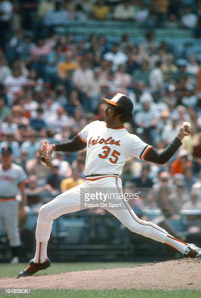 Mike Cuellar of the Baltimore Orioles pitches against the Detroit Tigers during an Major League Baseball game circa 1975 at Memorial Stadium in...