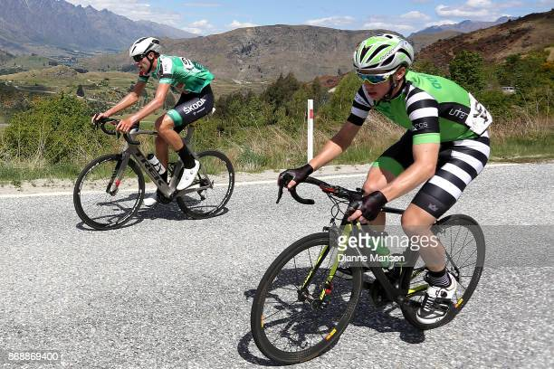 Mike Cuming of the United Kingdom Aardvark Excavators LTD and Alex West of Palmerston North Team Skoda Racing make the climb to Coronet Peak during...