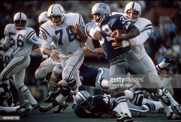 Mike Curtis of the Baltimore Colts tackles Duane Thomas of the Dallas Cowboys during Super Bowl V on January 17 1971 at the Orange Bowl in Miami...