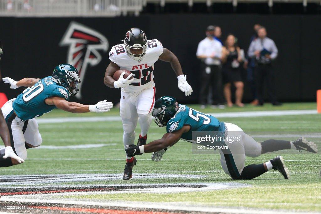 NFL: SEP 12 Eagles at Falcons : News Photo