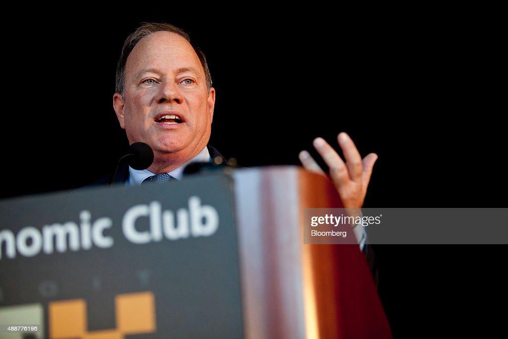 JPMorgan Chase & Co. Chief Executive Officer Jamie Dimon Speaks At The Detroit Economic Club : News Photo