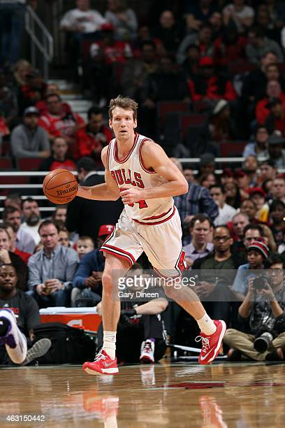 Mike Dunleavy of the Chicago Bulls drives against the Sacramento Kings on February 10 2015 at the United Center in Chicago Illinois NOTE TO USER User...