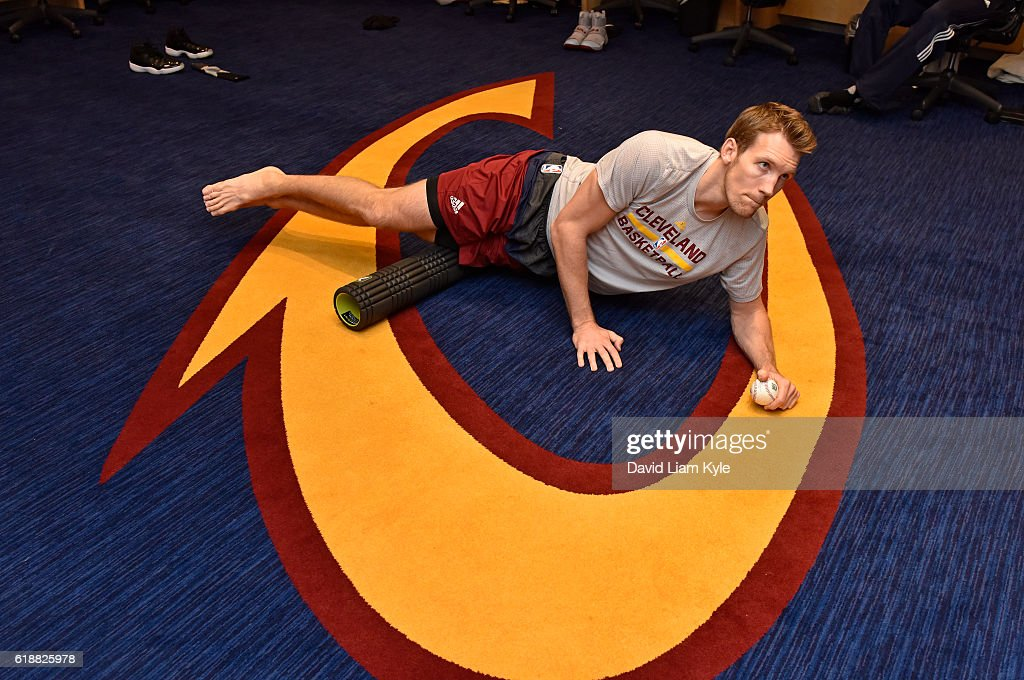 Mike Dunleavy #3 of the Cleveland Cavaliers stretches before the game against the New York Knicks on October 25, 2016 at Quicken Loans Arena in Cleveland, Ohio.
