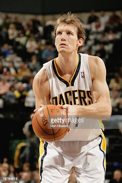 Mike Dunleavy of the Indiana Pacers shoots a free throw against the Chicago Bulls at Conseco Fieldhouse on December 12, 2007 in Indianapolis,...