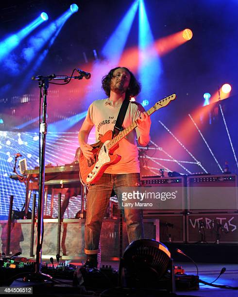 Mike Einziger of Incubus performs at The Perfect Vodka Amphitheater on August 14 2015 in West Palm Beach Florida