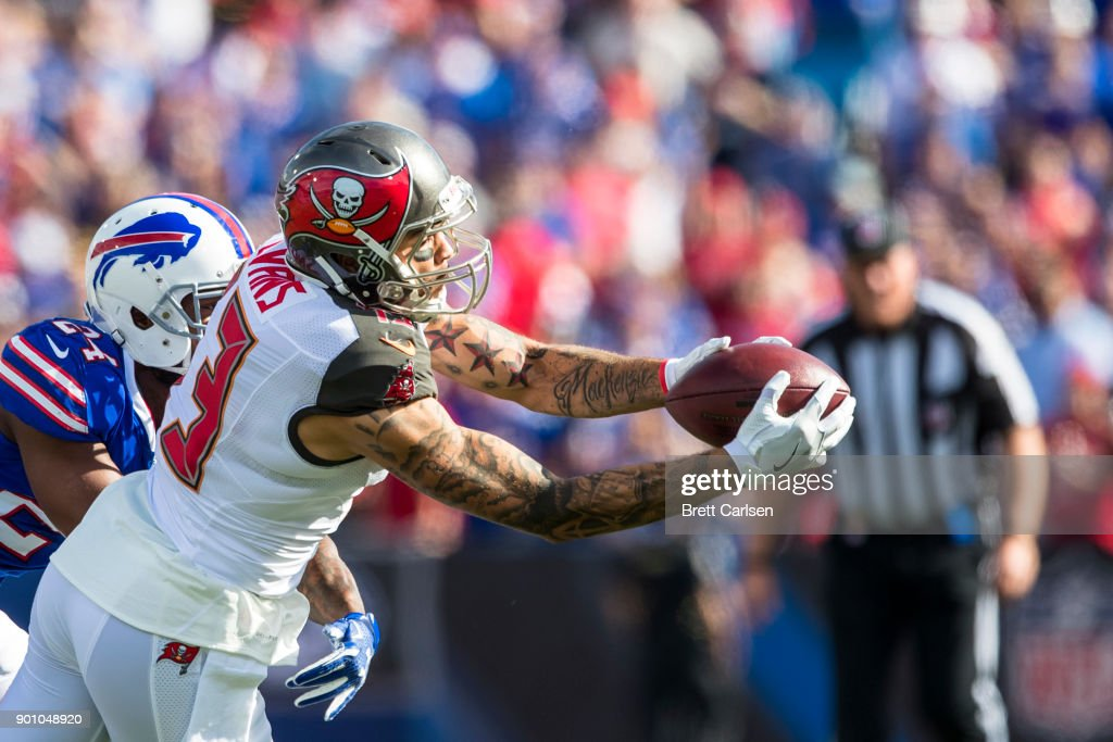 Tampa Bay Buccaneers v Buffalo Bills : News Photo