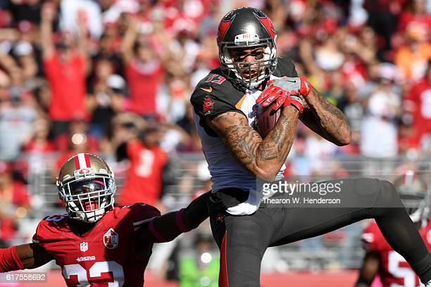 Mike Evans of the Tampa Bay Buccaneers makes a fiveyard touchdown catch against the San Francisco 49ers during their NFL game at Levi's Stadium on...