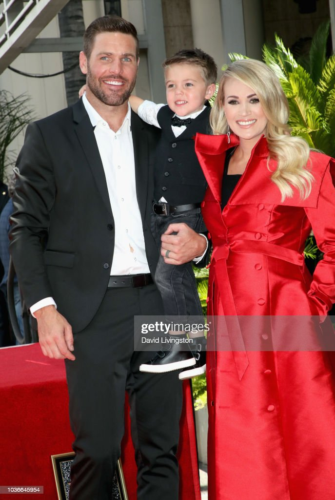 Carrie Underwood Honored With Star On The Hollywood Walk Of Fame : News Photo
