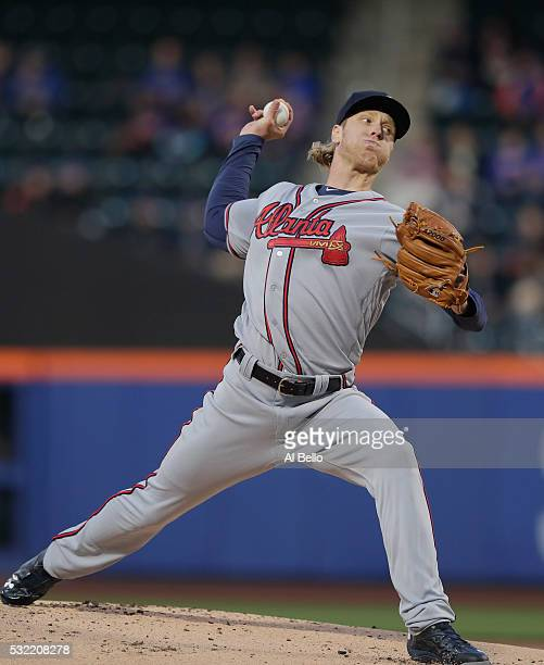 Mike Foltynewicz of the Atlanta Braves pitches against the New York Mets in the first inning during their game at Citi Field on May 2 2016 in New...