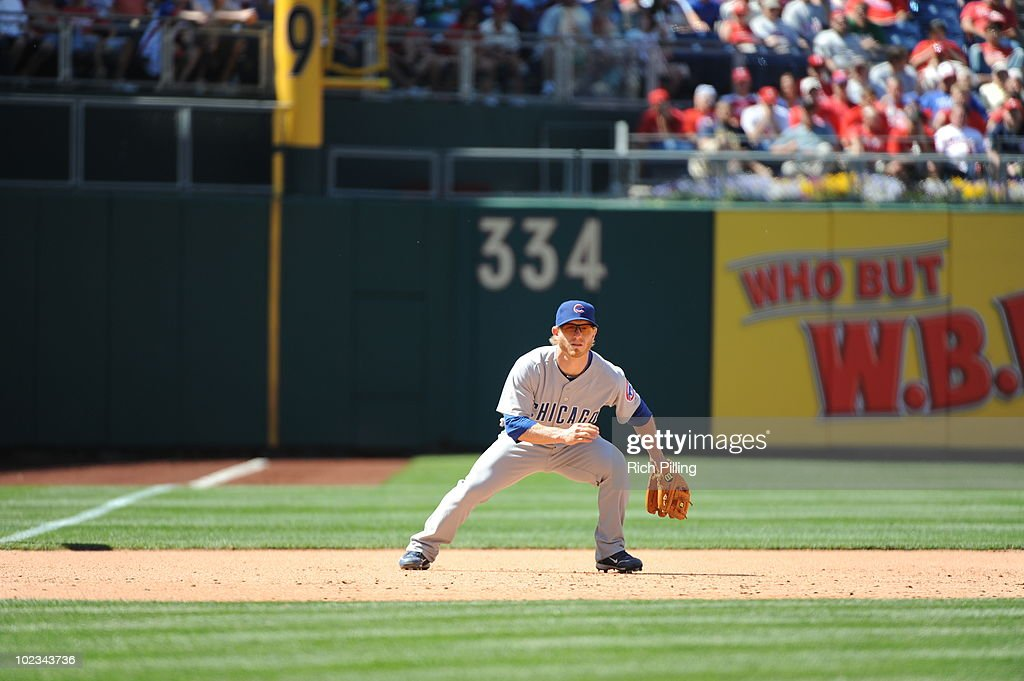 Mike Fontenot of the Chicago Cubs fields during the game against the Philadelphia Phillies at Citizens Bank Park in Philadelphia, Pennsylvania on May 20, 2010. The Phillies defeated the Cubs 5-4.
