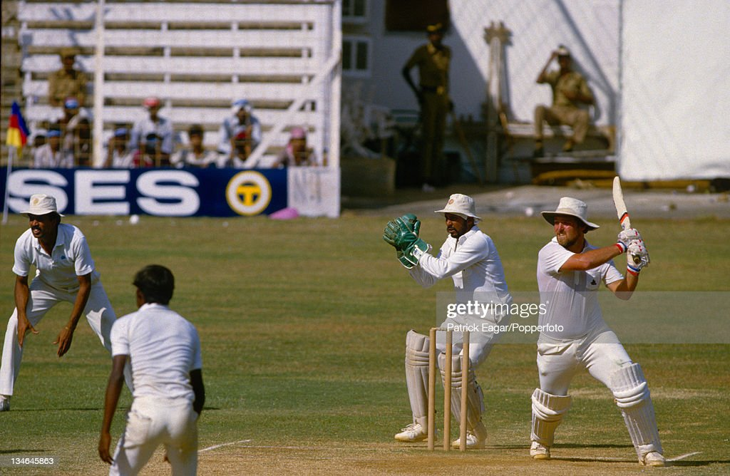 India v England, 1st Test, Bombay, November 1984 : News Photo