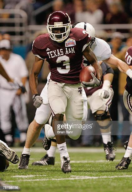 Mike Goodson of the Texas AM Aggies runs the ball against the Penn State Nittany Lions during the Valero Alamo Bowl on December 29 2007 at the...