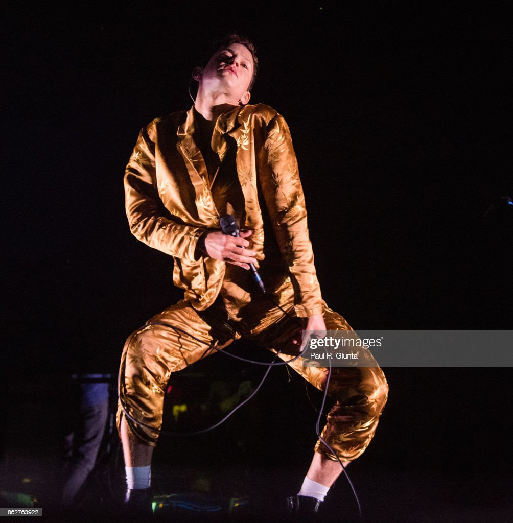 Mike Hadreas of Perfume Genius performs on stage at Coca Cola Roxy on October 17, 2017 in Atlanta, Georgia.