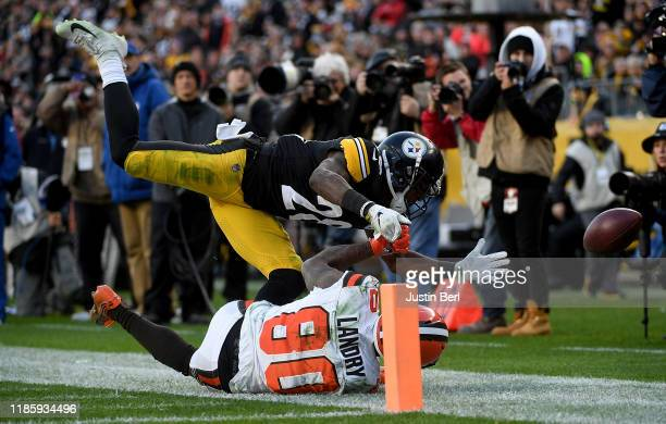 Mike Hilton of the Pittsburgh Steelers breaks up a pass intended for Jarvis Landry of the Cleveland Browns in the third quarter during the game at...