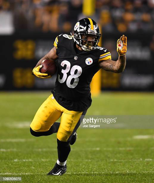 Mike Hilton of the Pittsburgh Steelers in action during the game against the Cincinnati Bengals at Heinz Field on December 30 2018 in Pittsburgh...