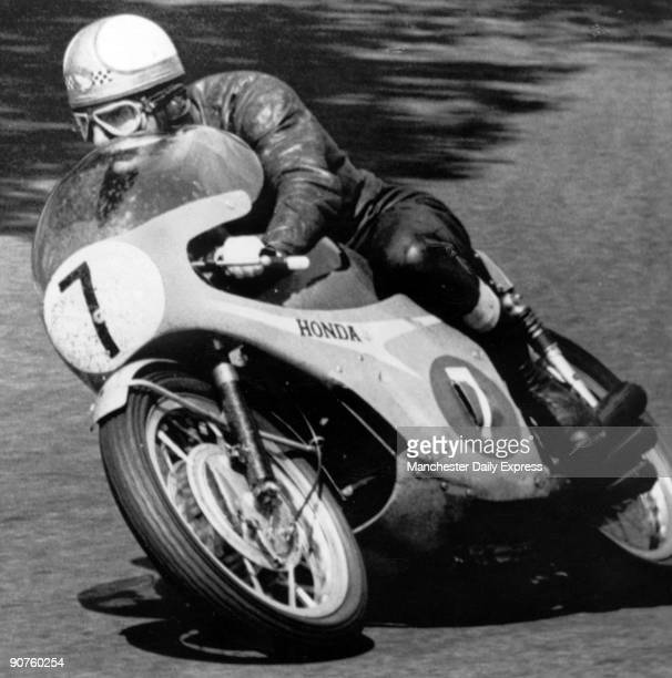 �Mike �Hurricane� Hailwood streaked to a recordbreaking TT success astride his 6cylinder Honda in the 250 cc classic He smashed the �ton� barrier on...