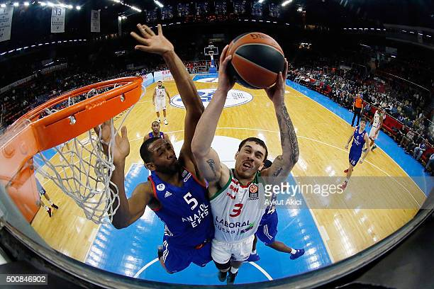 Mike James #3 of Laboral Kutxa Vitoria Gasteiz in action during the Turkish Airlines Euroleague Basketball Regular Season Round 9 game between...