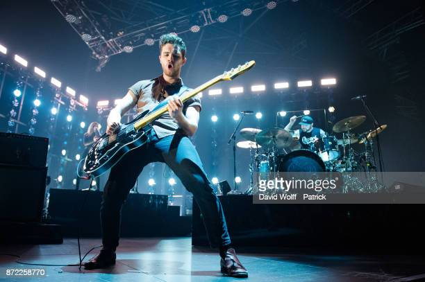 Mike Kerr and Ben Thatcher from Royal Blood perform at Le Zenith on November 9 2017 in Paris France