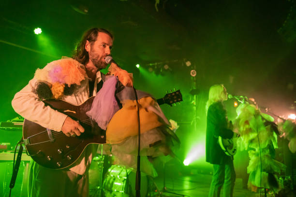 """GBR: """"Lump"""" Featuring Laura Marling And Mike Lindsay At Scala, London"""