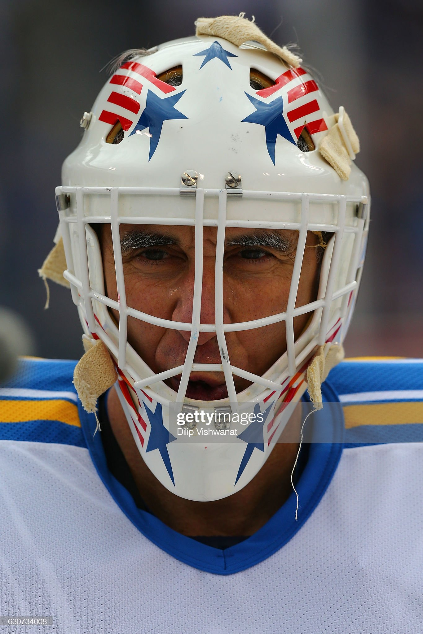 mike-liut-of-the-st-louis-blues-looks-on