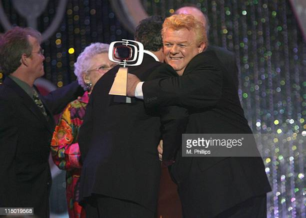 Mike Lookinland Ann B Davis and Barry Williams winners Pop Culture Award for The Brady Bunch with Johnny Whitaker presenter