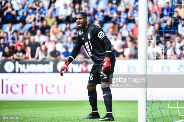 Mike Maignan of Lille during the Ligue 1 match between Racing Club Strasbourg and Lille OSC at Stade de la Meinau on August 13 2017 in Strasbourg